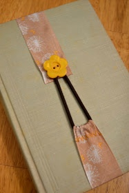 With your choice of buttons and ribbon, this can be either kid or adult friendly! Tutorial