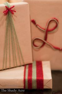 """Gift wrapping is not the problem is the bows!"" No worries, a roll of yarn will do wonders!"